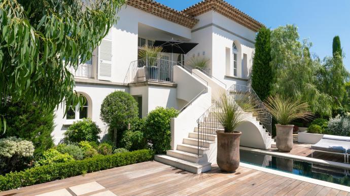 Вилла во франции продам квартиры в оаэ
